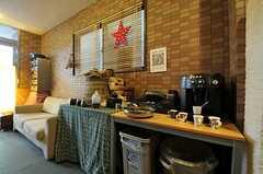メインアイテムはコーヒー。入居者さんは無料で楽しめます。(2012-11-27,共用部,LIVINGROOM,1F)