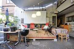 大きなスクリーンもあります。(2012-11-27,共用部,OTHER,1F)