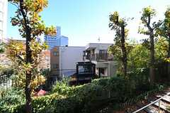 裏口から見たシェアハウス。(2012-11-27,共用部,OUTLOOK,1F)