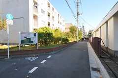 各線・大井町駅からシェアハウスへ向かう道の様子。(2012-11-27,共用部,ENVIRONMENT,1F)
