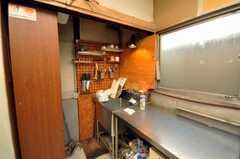 シェアハウスのキッチン周辺の様子。(2009-01-13,共用部,OTHER,1F)