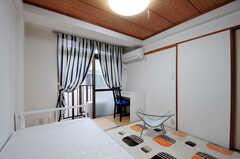 和室ですがカーペットが敷かれています。(202号室)(2012-05-28,専有部,ROOM,2F)