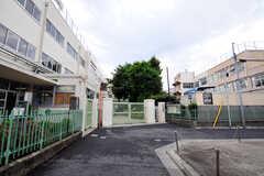 シェアハウス付近の中学校の様子。(2012-05-28,共用部,ENVIRONMENT,1F)