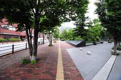 シェアハウスからJR各線・大崎駅へ向かう道の様子。(2012-05-28,共用部,ENVIRONMENT,1F)