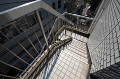 シェアハウスへ向かう外階段の様子。(2011-03-31,共用部,OTHER,3F)