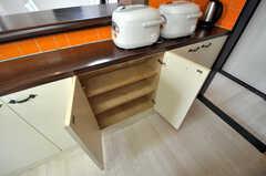 部屋ごとに分けられた食材などを置くスペース。(2011-03-31,共用部,OTHER,3F)