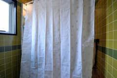 ランドリースペースと脱衣室を隔てるカーテン。(2011-03-31,共用部,OTHER,3F)
