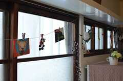 ポストカードも色々と飾られています。(2013-05-21,共用部,LIVINGROOM,1F)