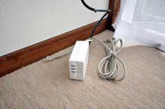 専有部の様子4。インターネットはコンセントから繋ぐ。(9062号室)(2009-06-25,専有部,ROOM,9F)