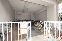 マンションの自転車置場の様子。(2009-06-25,共用部,GARAGE,1F)