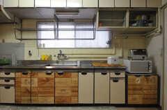 キッチンの様子。(2013-07-18,共用部,KITCHEN,4F)
