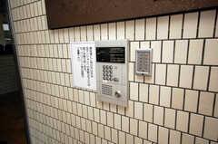 入口はオートロックになっている。(2008-11-07,周辺環境,ENTRANCE,1F)