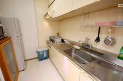 シェアハウスのキッチンの様子。(2008-11-07,共用部,KITCHEN,1F)