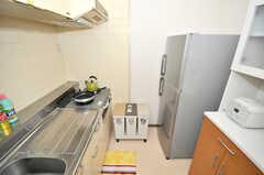シェアハウスのキッチンの様子。(207号室)(2009-09-04,共用部,KITCHEN,2F)