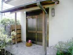 こちらが本当のシェアハウスの正面玄関。(2007-06-03,周辺環境,ENTRANCE,1F)