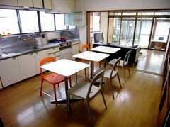 雰囲気のある家具で統一されたラウンジの様子。お洒落度高め。(1F)(2007-06-03,共用部,LIVINGROOM,1F)