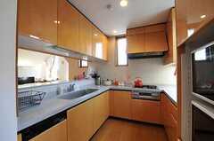 シェアハウスのキッチンの様子。(2011-05-19,共用部,KITCHEN,2F)