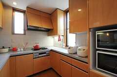 シェアハウスのキッチンの様子2。(2011-05-19,共用部,KITCHEN,2F)