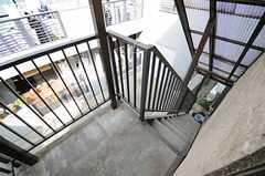 外階段の様子。(2013-01-27,共用部,KITCHEN,1F)