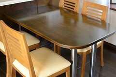 ダイニングテーブルと4脚のチェア。(2013-03-28,共用部,LIVINGROOM,7F)