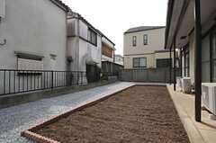 庭には菜園スペースが設けられています。(2014-04-02,共用部,OTHER,1F)