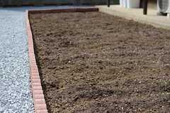 菜園スペースは事業者さんの手作り。(2014-04-02,共用部,OTHER,1F)