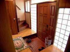 正面玄関(内部)の様子。(2005-12-03,周辺環境,ENTRANCE,1F)