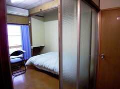 専有部の様子5。(204号室)。個性的な作りです。(2005-12-03,専有部,ROOM,2F)