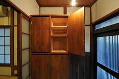 靴箱の様子。ひとりで扉1枚分使用できます。(2011-10-18,周辺環境,ENTRANCE,1F)