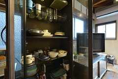 食器棚の様子。(2015-08-31,共用部,KITCHEN,1F)