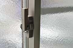 窓の鍵。(201号室)(2013-04-05,専有部,ROOM,2F)