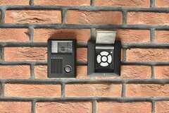 玄関の鍵はナンバー式のオートロックです。(2017-02-16,周辺環境,ENTRANCE,1F)