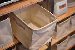 各部屋ごとに使用できる、食材などを保管するボックス。(2015-02-24,共用部,KITCHEN,2F)