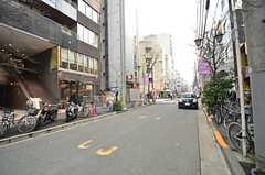 東京メトロ丸ノ内線・新宿御苑駅からシェアハウスに向かう道の様子。(2015-02-24,共用部,ENVIRONMENT,1F)