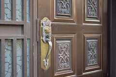 玄関のドアハンドル。(2016-08-19,周辺環境,ENTRANCE,1F)