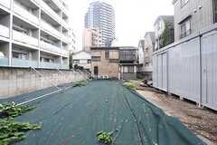 駐輪場は、庭としても利用できます。(2016-08-19,共用部,GARAGE,1F)