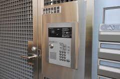 インターホンも付いています。(2010-12-15,周辺環境,ENTRANCE,1F)
