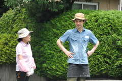 ガーデニングイベントの様子4。近所のお花屋さんが段取りを説明しています。(2013-06-30,共用部,PARTY,1F)