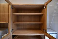戸棚の様子。空いているスペースは入居者さん同士相談して使っていいとのこと。(2017-03-01,共用部,KITCHEN,1F)
