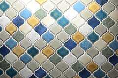 壁の一部は個性的なタイルで仕上げ。(2013-08-09,共用部,KITCHEN,10F)