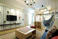 リビングの様子。TV脇のドアは301号室です。(2013-03-15,共用部,LIVINGROOM,3F)