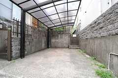 自転車置場の様子。(2013-08-06,共用部,GARAGE,1F)