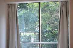 窓の外はいっぱいの緑。(202号室)(2014-07-31,専有部,ROOM,2F)