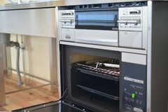 オーブンも使用可能です。(2012-03-13,共用部,KITCHEN,1F)