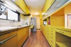 シェアハウスのキッチンの様子。(2010-09-15,共用部,KITCHEN,1F)