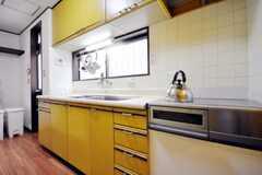 シェアハウスのキッチンの様子2。(2010-09-15,共用部,KITCHEN,1F)