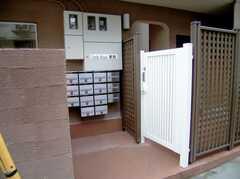 シェアハウス正面玄関(2006-11-30,周辺環境,ENTRANCE,1F)