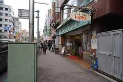 JR中央総武線・大久保駅周辺の様子。(2016-02-29,共用部,ENVIRONMENT,1F)