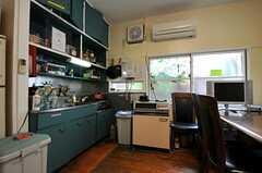 シェアハウスのキッチンの様子。(2011-06-24,共用部,KITCHEN,1F)