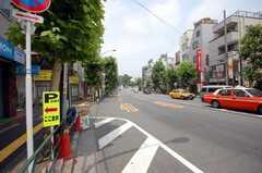 東京メトロ東西線早稲田駅からシェアハウスへ向かう道の様子。(2008-07-14,共用部,ENVIRONMENT,1F)